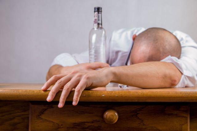 Алкогольная зависимость у мужчины